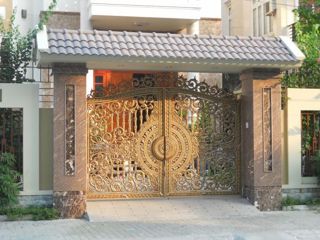 Lựa chọn kích thước phù hợp của cửa chính giúp gia chủ đón nhiều tài lộc