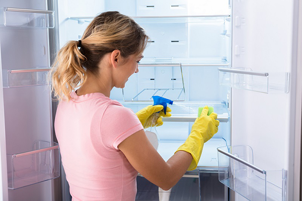 Khử mùi tủ lạnh.
